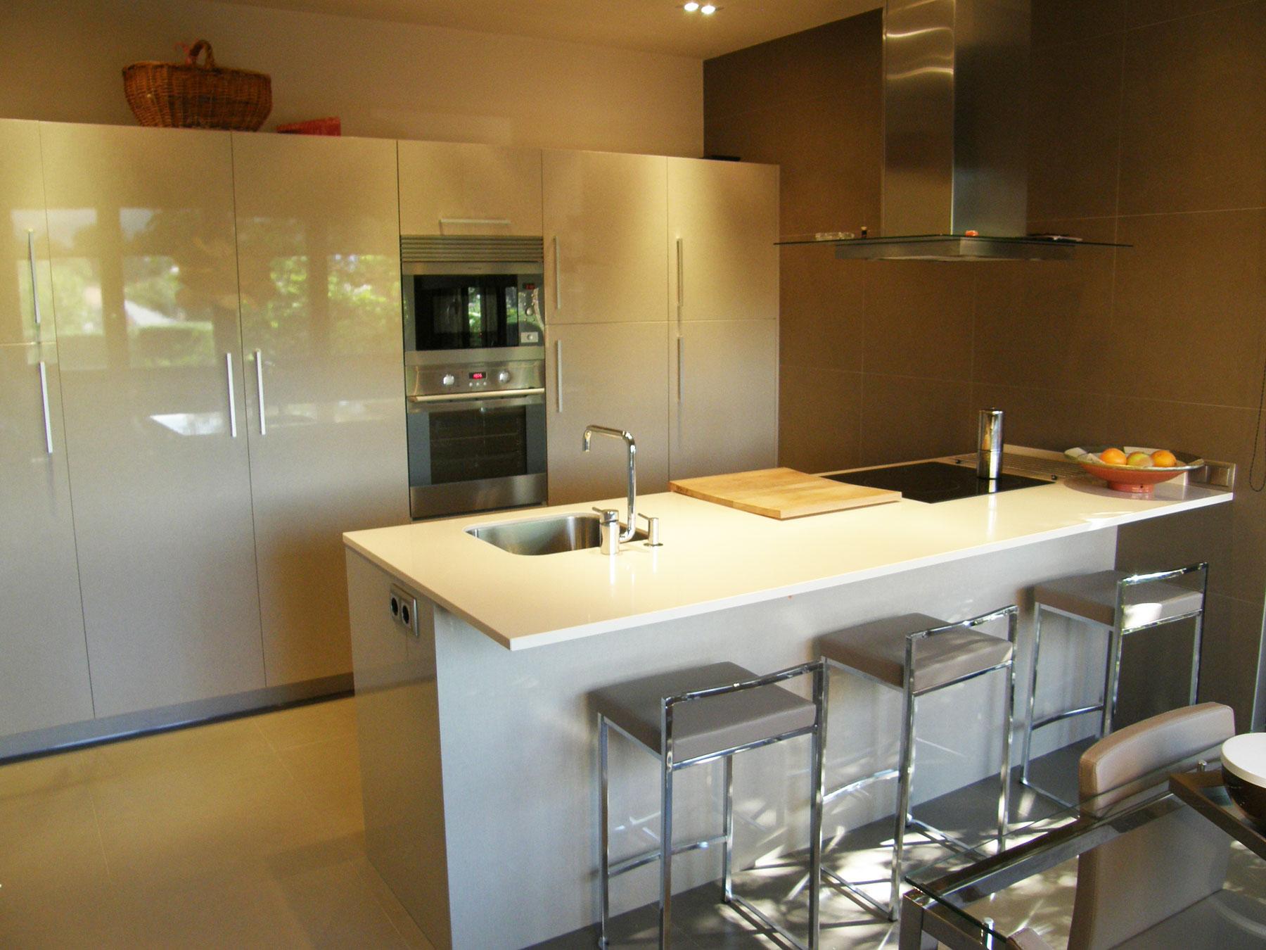 Cocinas en isla servicios de arquitectura - Reformas en cocinas ...